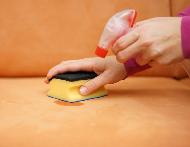 Как убрать пятно от воска с дивана фото