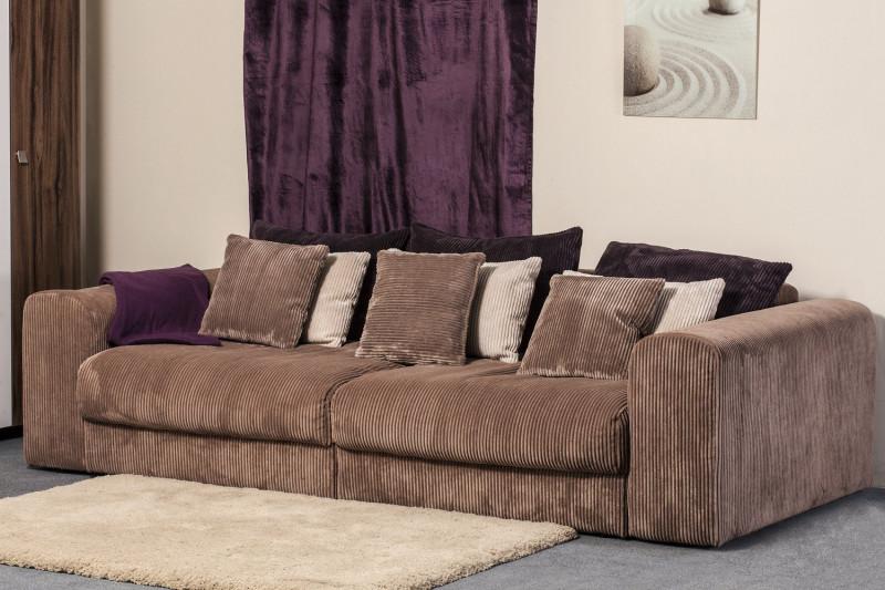 Крупный вельвет на диванах